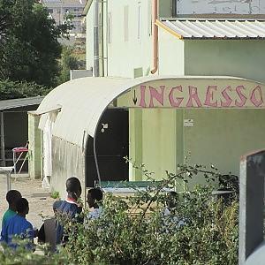 Ragusa, svuotata la discoteca degli immigrati - Repubblica.it