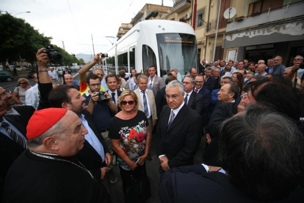Il tram fa la sua prima corsa a Palermo