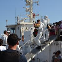 Migranti, 522 sbarcati a Porto Empedocle