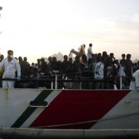 A Porto Empedocle 470 migranti: dall'inizio dell'anno ne sono arrivati quasi 10 mila