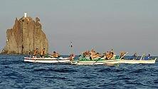 """Sfida di gozzi Stromboli celebra    la """"ricata"""""""