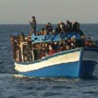Barcone incagliato ad Agrigento, nessuno a bordo. Altri 225 migranti in arrivo a Palermo