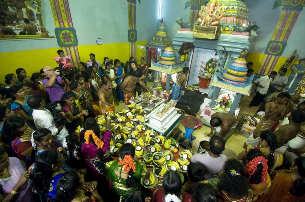 Festa e processione dei tamil induisti