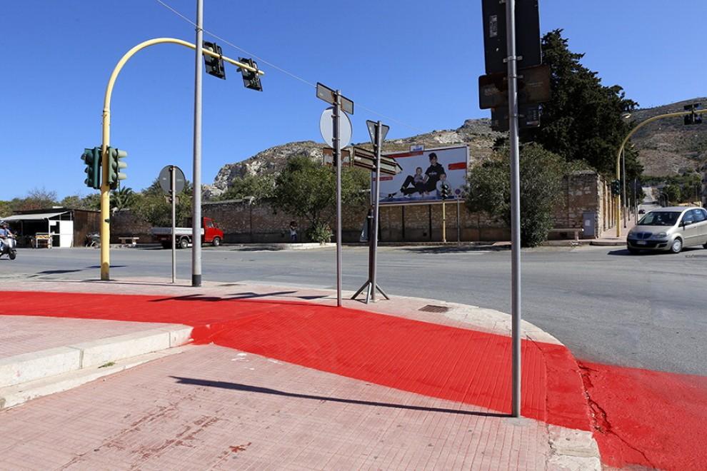 Erice, guerra sulla pista ciclabile fatta di vernice che costa 300 mila euro