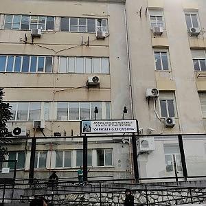 Infermiere morto in sala operatoria, giallo all'ospedale dei Bambini