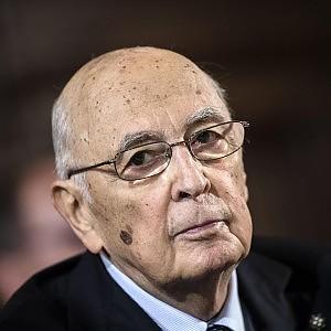 """Stato-mafia, Napolitano scrive alla Corte: """"Disponibile a testimoniare il 28 ottobre"""""""