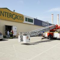 Cede il tetto del supermercato, muore operaio a Porto Empedocle