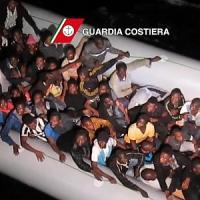 Sbarco di migranti a Marettimo, donne e bambini aggrappati agli scogli