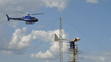Ultime Notizie: Rimosse con l'elicottero le pale eoliche dall'isola di Mozia