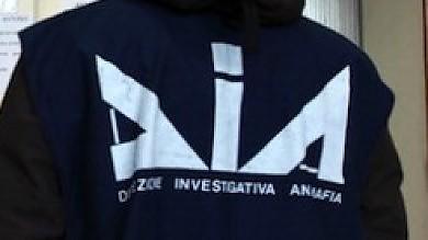 Mafia, maxisequestro da 450 milioni  sigilli per cento villette a Kartibubbo   Un agente penitenziario è il boss di Enna