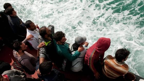 Immigrazione: almeno 20 dispersi nel Canale di Sicilia