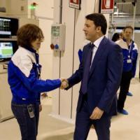 """Renzi, giro del Sud: """"C'è una parte d'Italia che corre più della Germania"""""""