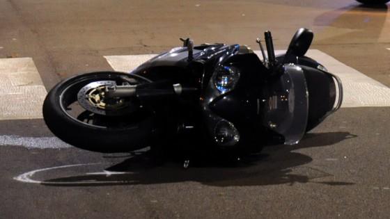 Giallo su un motociclista trovato morto in via Aloi. Altro schianto a Bonagia