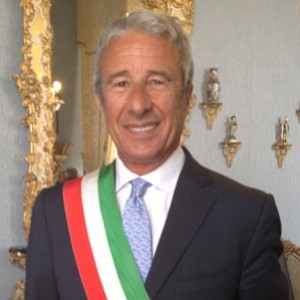 """Assolto il sindaco di Trapani: """"Regolare l'uso dell'auto blu"""""""