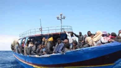 Possibili infiltrati Is tra i migranti indaga la procura di Palermo