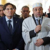 Crocetta prega con i musulmani nella moschea di Catania