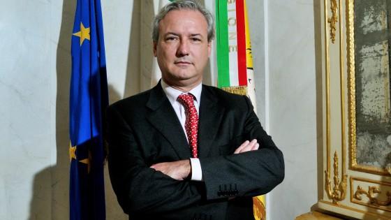 L 39 assessore su facebook cercasi addetto stampa gratis for Cercasi ufficio roma
