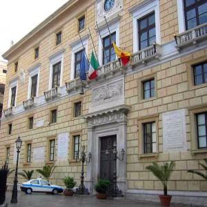 """Indagati due funzionari comunali: """"Hanno le case abusive a Mondello"""""""