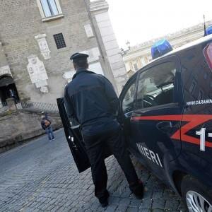 Catania, 34enne gelosa pugnala il compagno. Arrestata