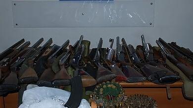 Arsenale con fucili e munizioni  ritrovato a Catania /  Foto