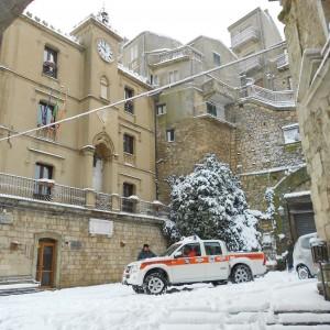 Gelo record in Sicilia, sull'Etna -21 gradi. Neve anche sulle Eolie
