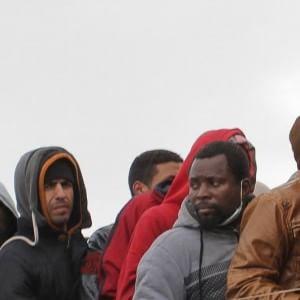 Canale di Sicilia, si ribalta gommone di migranti: dieci vittime