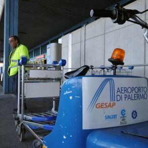 Negozi, cartelloni, sicurezza: i sessanta appalti anomali del sistema aeroporto