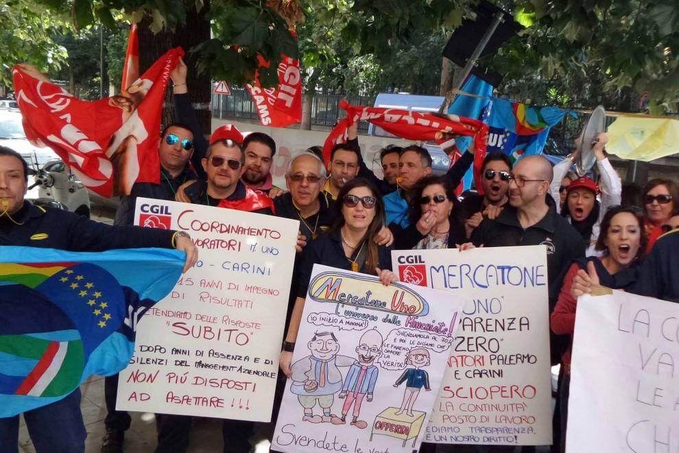 Mercatone uno esplode la protesta dei dipendenti a for Mercatone uno palermo camerette