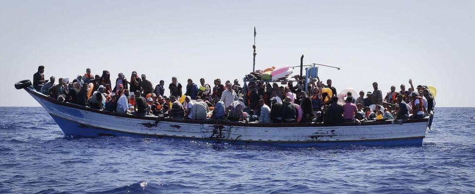 Riprendono le traversate della speranza, tremila migranti sulle coste siciliane