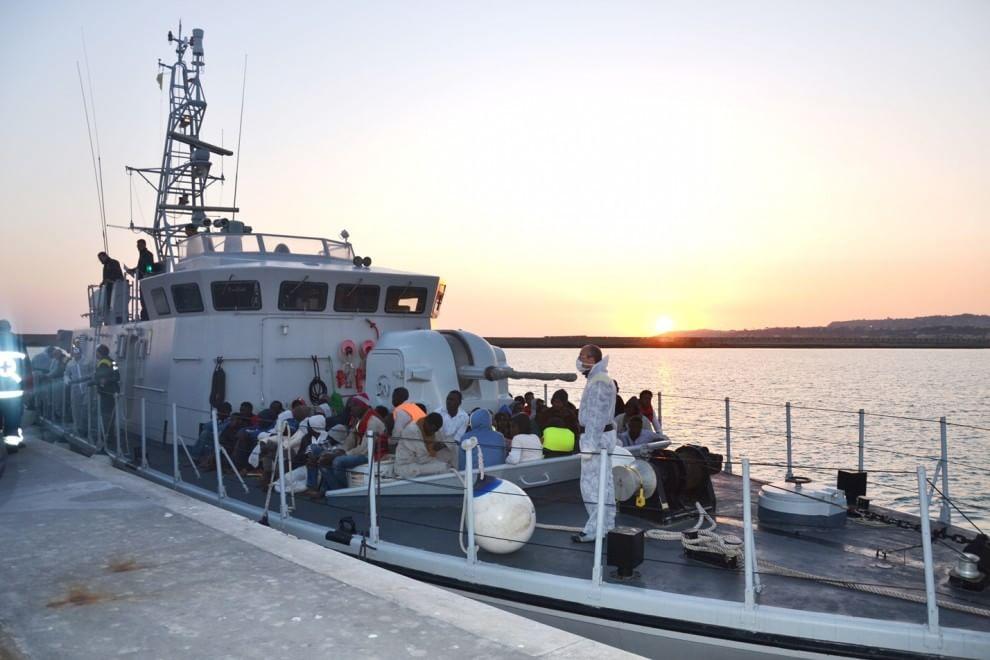 Porto Empedocle, sbarcati 661 migranti$