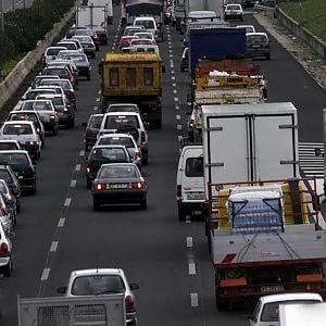 Doppio incidente su viale Regione Siciliana 65304ad0d22c