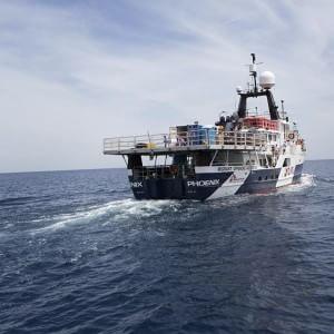 A Messina sbarca la nave della solidarietà con 400 migranti a bordo