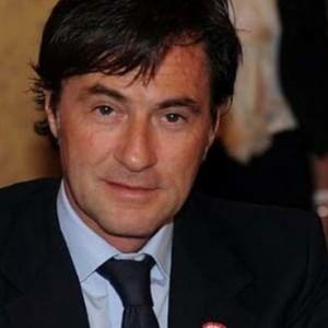 """""""Una villa in cambio di fondi Ue"""": indagato l'ex presidente dell'Ars Cascio"""