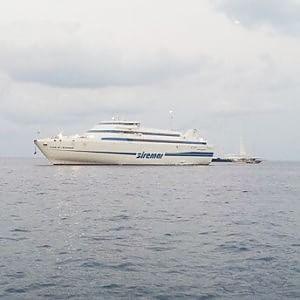 Aliscafi ridotti, treni sospesi e voli low cost a rischio: l'estate nera dei trasporti in Sicilia