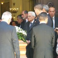 Sergio Mattarella a Trapani per i funerali della sorella Caterina, la Cattedrale gremita