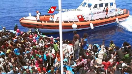 Immigrazione, 13 morti su barcone soccorso da nave irlandese
