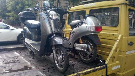 Sembrano Bici Elettriche Sono Scooter 27 Sequestri A Palermo