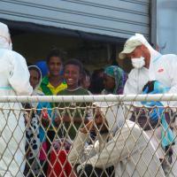 Migranti: fra gli oltre 500 sbarcati, molti minori non accompagnati