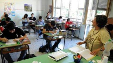 Scuola, Faraone in aiuto di Maria Antonella a Licata un figlio disabile, insegna a Milano