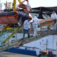 Nuovo naufragio davanti alla Libia: almeno 37 morti. Conclusa l'autopsia sui 52 cadaveri...