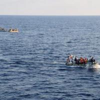 Migranti: salvate circa mille persone, trovate morte quattro giovani donne