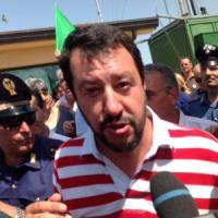 """Migranti: Salvini a Mineo: """"Renzi e Alfano incapaci"""", il ministro: """"Si scusi con la..."""