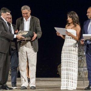 """Pamuk a Taormina: """"Sicilia splendida, devo recuperare il tempo perduto"""""""