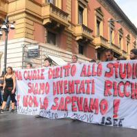 Studenti in piazza contro la