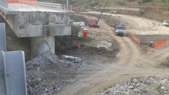 Viadotto Himera: demolita la prima campata sull'A19
