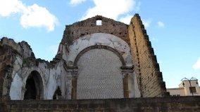 Il mistero del pittore disseppellito dalla cripta della chiesa scomparsa  di LINO BUSCEMI