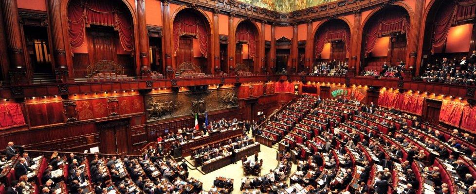 Nuova legge sui beni confiscati alla camera scontro nel for Numero deputati alla camera