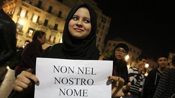 """Attacco a Parigi: islamici e cristiani in piazza a Palermo: """"No al terrore"""""""