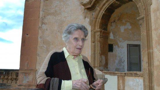 Morta a 102 anni Topazia Alliata, madre di Dacia Maraini