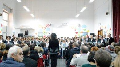 Un anno fa l'omicidio di Loris   Video    coro a scuola e poi una messa
